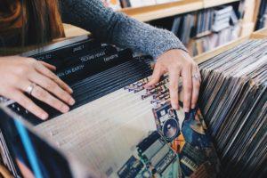 思わずジャケ買いしたくなるジャズの名盤レコードおすすめ40選