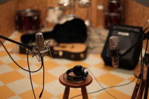 【新宿の音楽スタジオまとめ】バンド練習におすすめのスタジオは?料金や機材など徹底比較